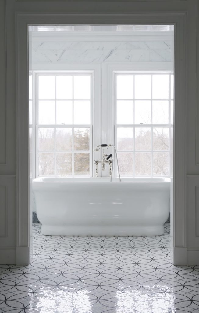 master bath tub wider8023